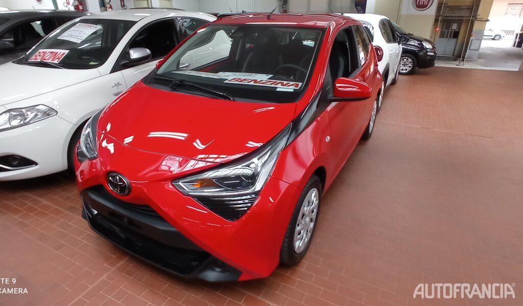 Toyota Aygo 1.0 72cv X-Cool CONNECT